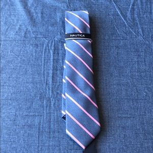 NEW NAUTICA MEN's TIE Blue with PInk Stripes